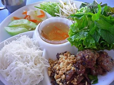 7 Delicious Food In Hue City